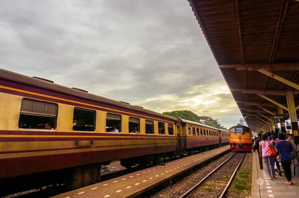 รถไฟฟรีไปกาญจนบุรี