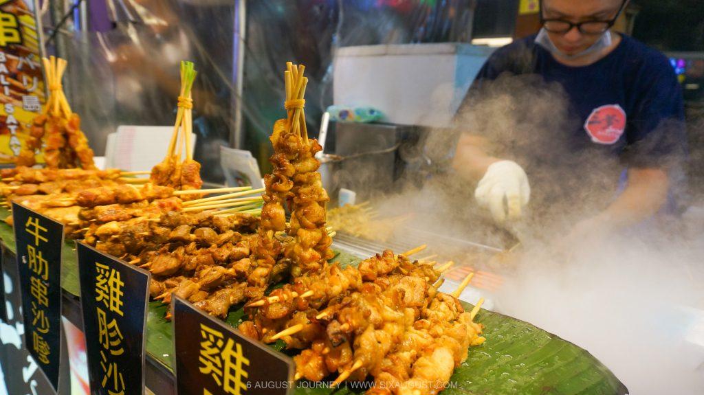 Feng Chia Night Market (ตลาดกลางคืน)   กินกันล้มละลายที่นี่