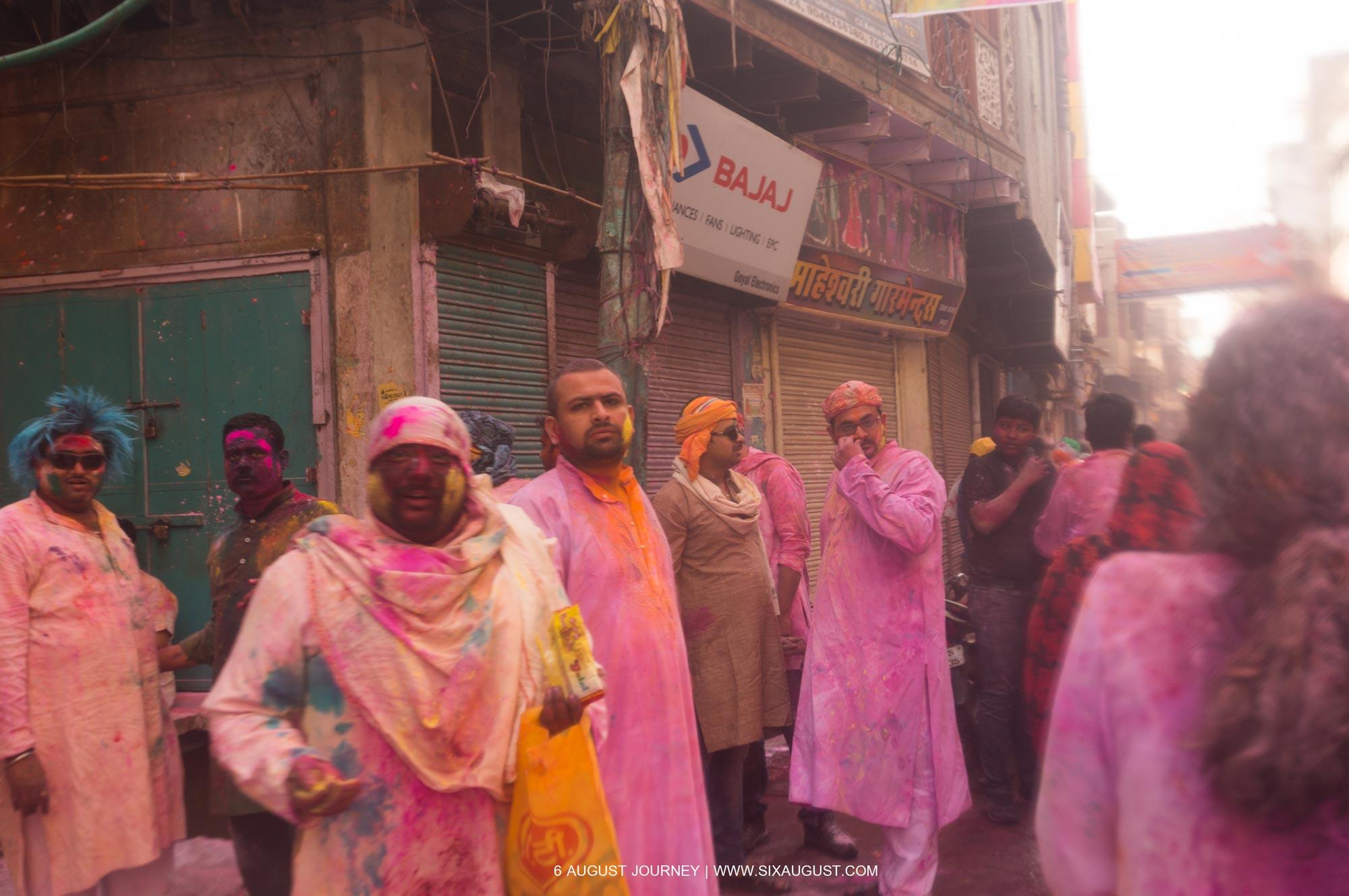 เทศกาล Holi พวกเขาน่ารัก