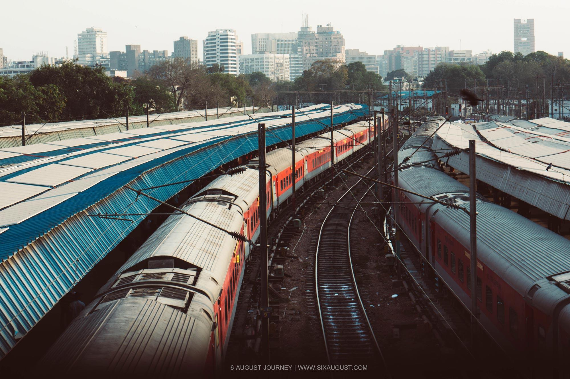 บรรยากาศรางรถไฟอินเดีย