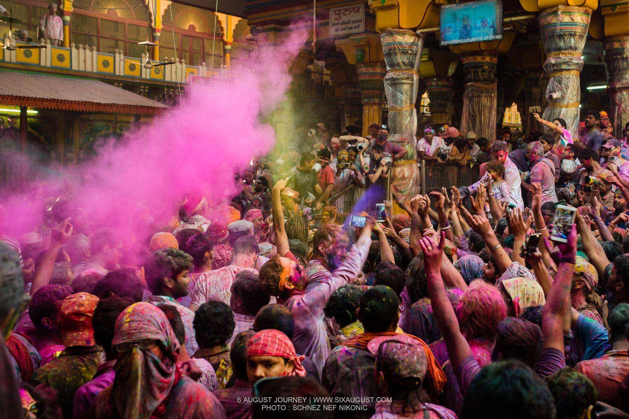 เทศกาล Holi สีชมพู
