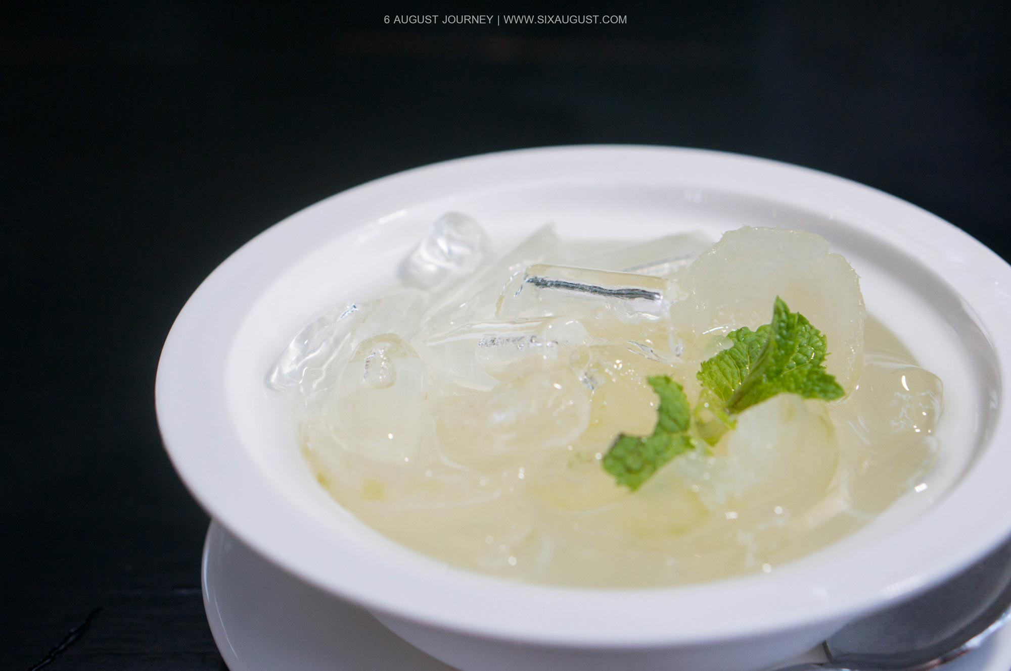 มะกรูดลอยแก้ว ร้าน Nye Cafestaurant