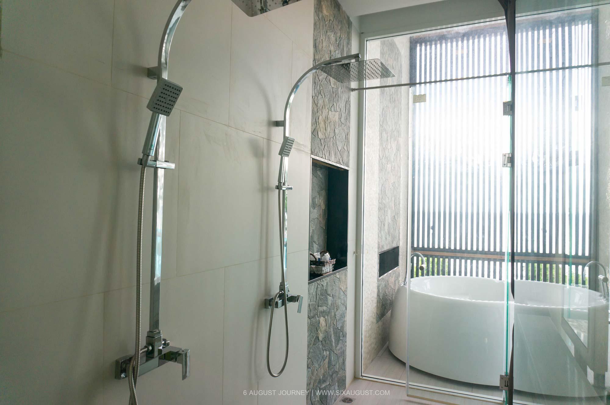ห้องอาบน้ำ สิกขรา พลาโช่