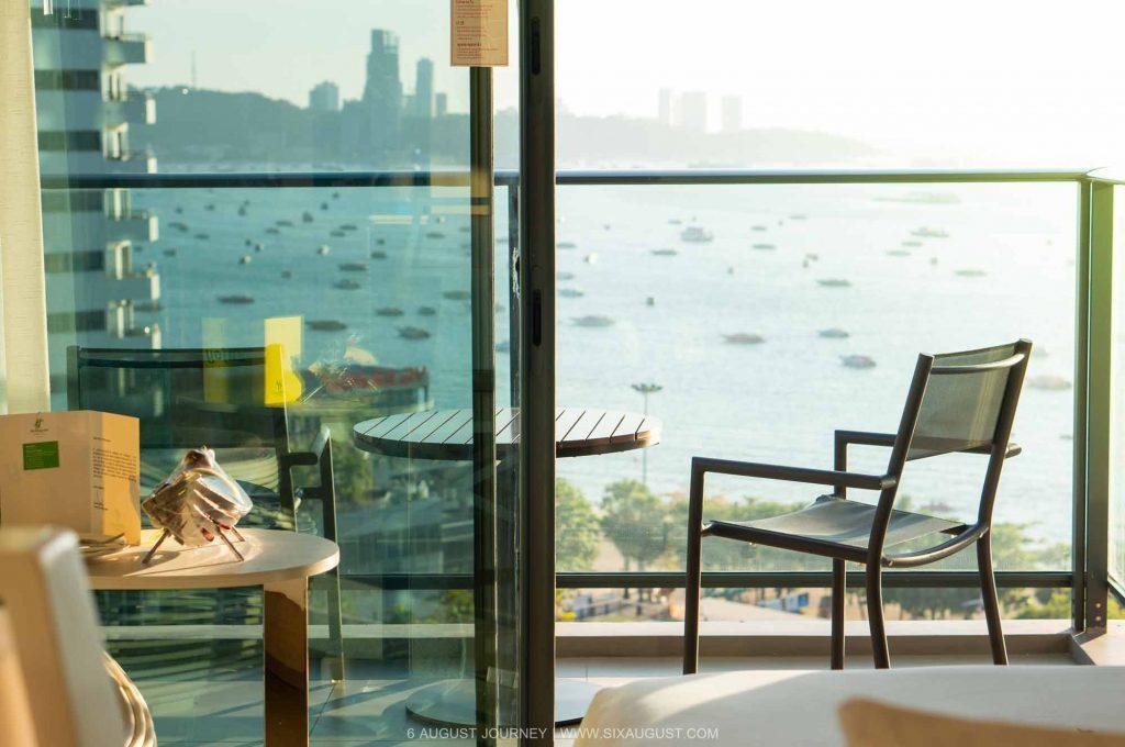 วิวจากห้องนอน Holiday Inn Pattaya