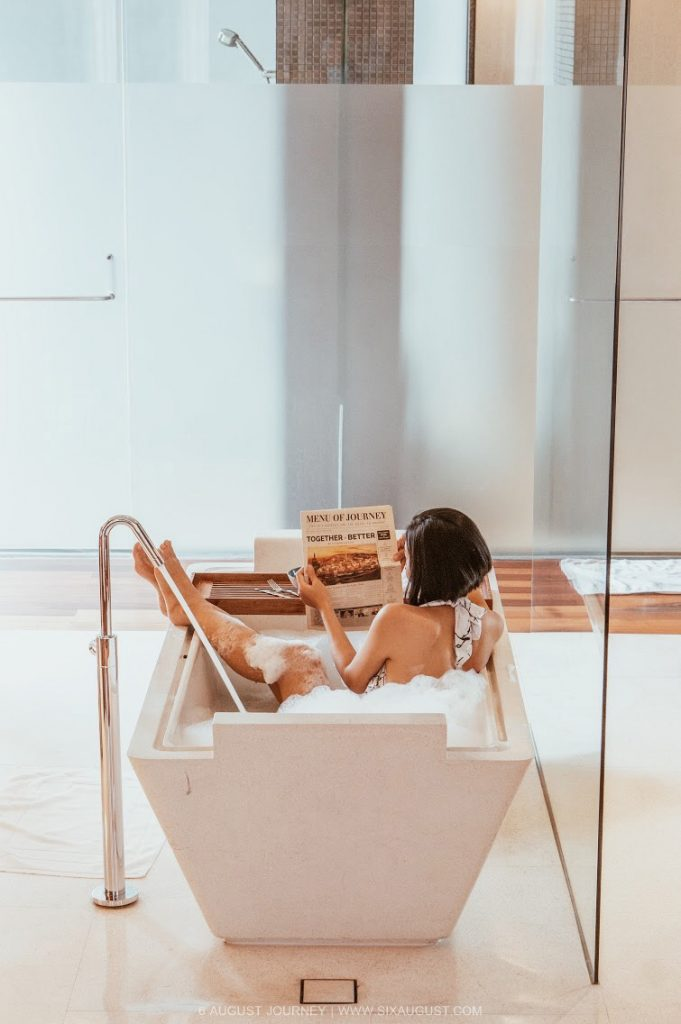 อาบน้ำ Hansar Bangkok Hotel รีวิว