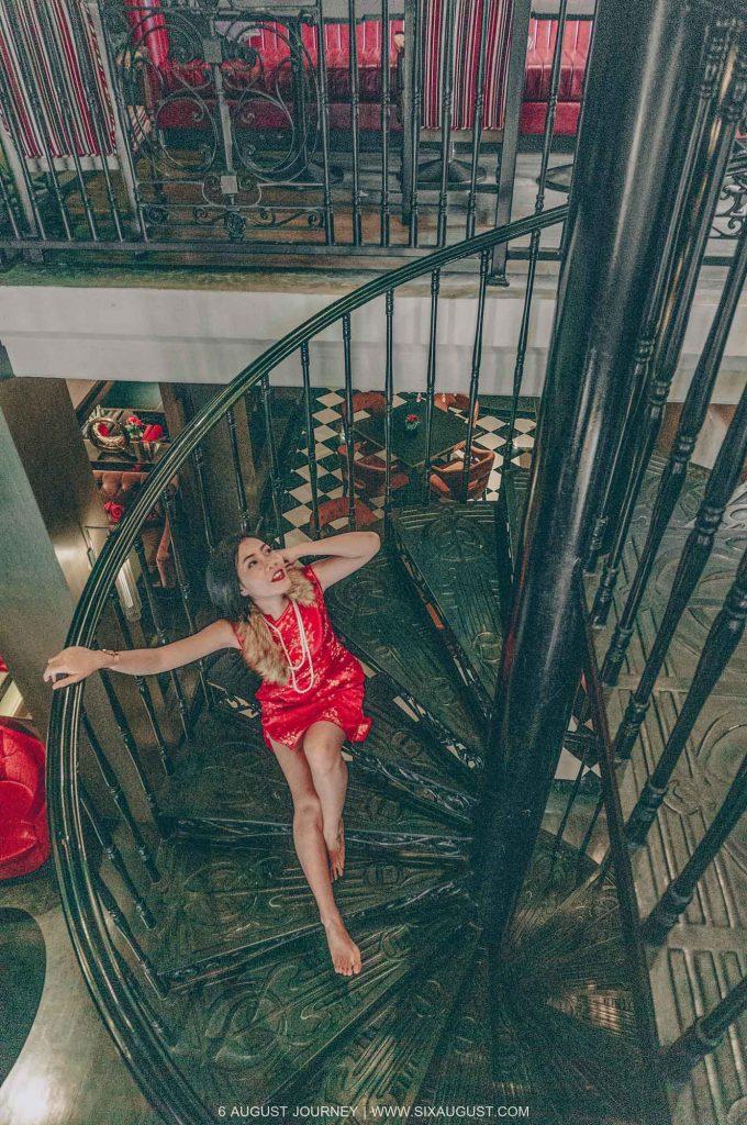 บันไดวน Shanghai Mansion