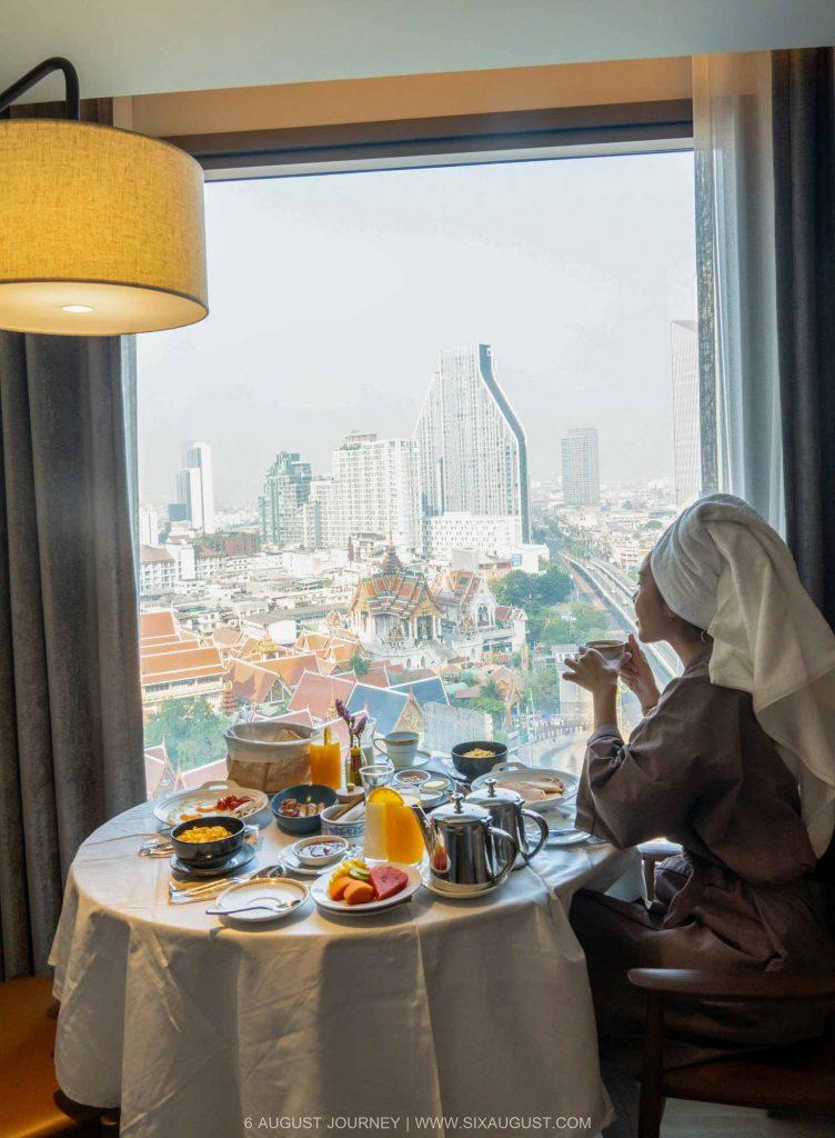 โรงแรมมณเฑียร สุรวงศ์ breakfast